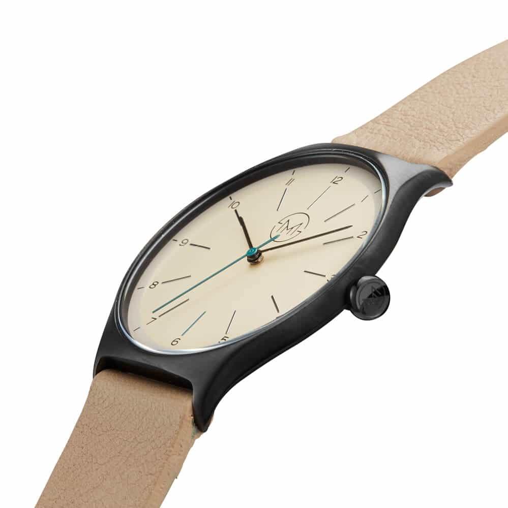 flache armbanduhr slim made one 03 entwickelt in der. Black Bedroom Furniture Sets. Home Design Ideas
